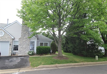 7 Walton Ct, Newtown, PA 18940
